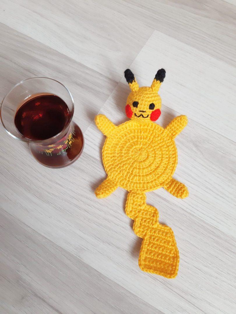 amigurumi-pikachu-bardak-altligi-yapimi